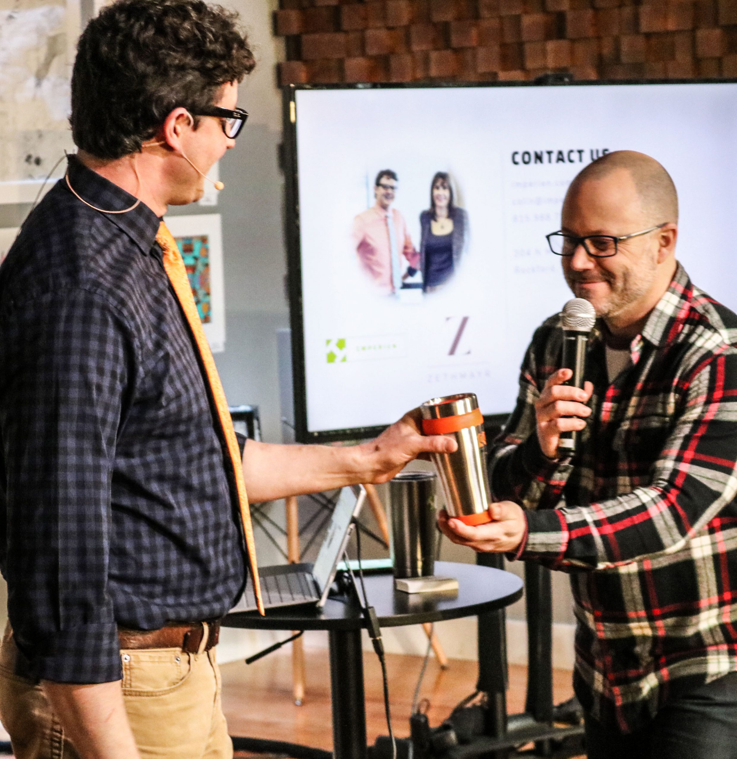 Hosting & Presentations